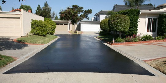 Asphalt Vs. Concrete Driveways – Which is The Best?